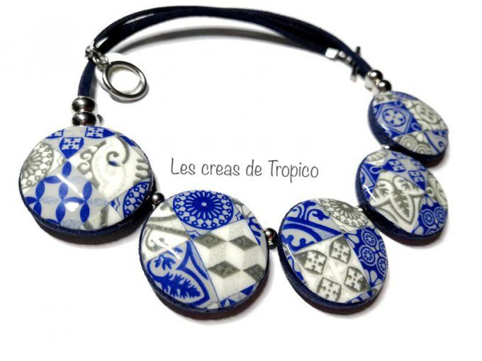 COLLIER CARREAU CARRELAGE BLEU GRIS